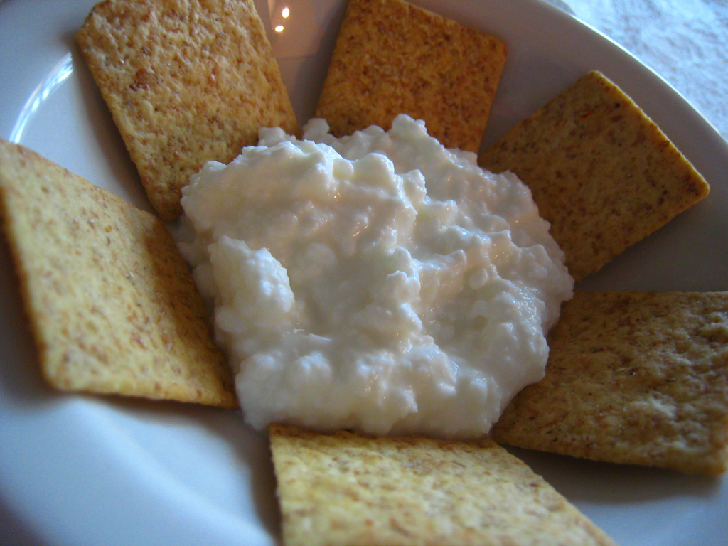 cottage cheese and crackers