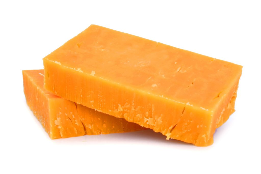 carbs in cheddar cheese
